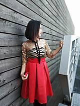 Šaty - Set: zlatý top/ červená sukna - 11227599_