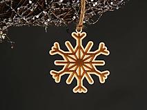 Dekorácie - Vianočná ozdoba gravírovaná (Vločka) - 11230265_