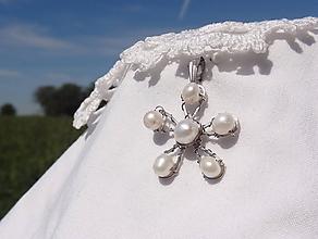 Náhrdelníky - perlový kvietok ...chirurgická oceľ - 11228250_