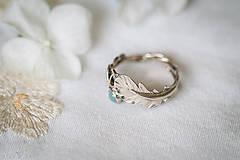 Prstene - Zlatý prsteň s pierkom a akvamarínom - S tebou - 11227857_