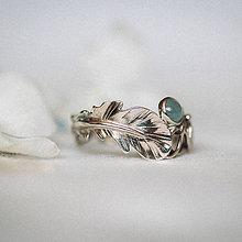 Prstene - Zlatý prsteň s pierkom a akvamarínom - S tebou - 11227879_