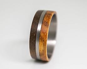 Prstene - Prsteň titánium + orech + zebráno - 11228201_