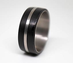 Prstene - Titanový prsteň s ebenovým drevom - 11229961_