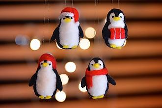 Dekorácie - Tučniačiky na vianočný stromček, 4 ks - 11229414_