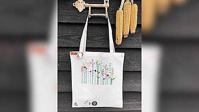 Iné tašky - ♥ Plátená, ručne vyšívaná taška ♥ - 11229808_