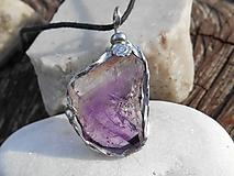 Náhrdelníky - fialový ametyst-kryštáľ-náhrdelník - 11235130_