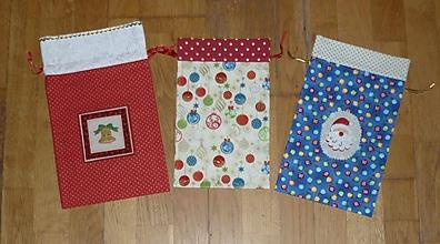 Úžitkový textil - Mikulášske/vianočné vrecúška na drobnosti (dva varianty) (posledné kusy) - 11232118_
