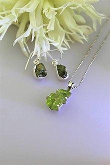 Sady šperkov - olivín náušnice a prívesok - v striebre (drúzy olivínu) - 11234112_