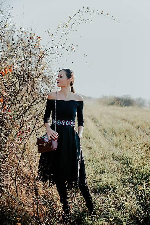 čierne madeirové šaty Slavianka