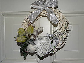 Dekorácie - Vianočný veniec na dvere - 11232507_