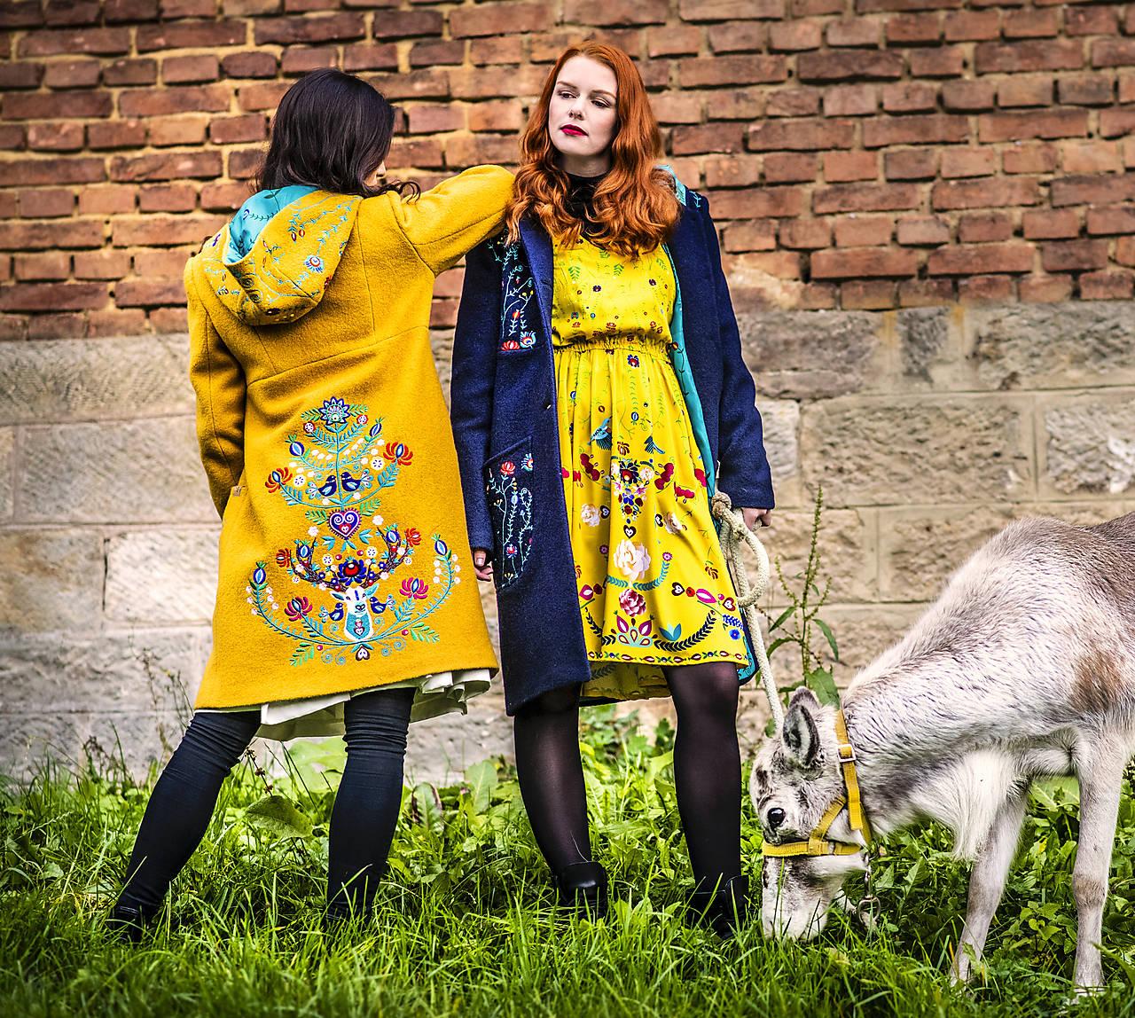 Kabáty - Vlněný kabát hořčicový - 11233418_