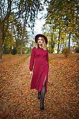 Šaty - Vínové úpletové šaty - 11234237_