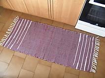 Úžitkový textil - Tkaný koberec bordový so svetlými pásikmi - 11231916_