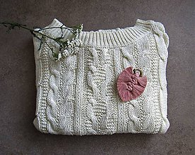 Odznaky/Brošne - Makramé brošňa LEAF (Ružová) - 11237180_