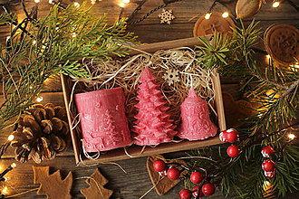 Svietidlá a sviečky - Vianočná SADA sviečok V DARČEKOVOM BALENÍ (Červená) - 11241136_