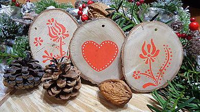 Dekorácie - Drevené vianočné ozdoby maľované folklórne - cena za sadu - 11239256_