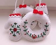 Dekorácie - Vianočné ozdoby s výšivkou - 11244683_