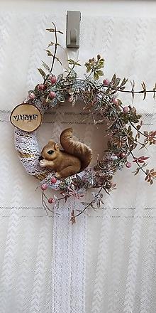 Dekorácie - Veniec veveričkový...čipka - 11245455_