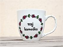 Nádoby - Maľovaný porcelánový hrnček - Naj kamoška - 11243630_