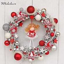 Dekorácie - Vianočný venček Anjel s rolničkami - 11243246_