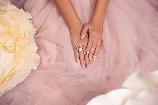 """Kvetinový prstienok """"rosa na láske"""""""