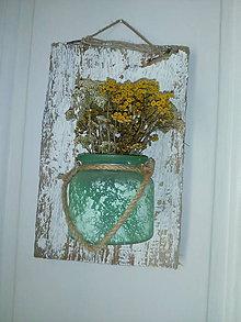 Dekorácie - vazicka na drevenej tabulke - 11246175_