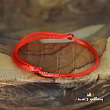 Náramky - Červený náramok – šnúrka - 11245468_