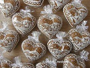 Drobnosti - Dekoratívne medovníkové srdiečka - 11249914_