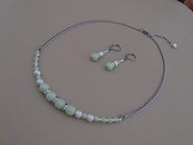 Náhrdelník s náušnicami - svetlozelené perly so štrasom - chirurgická oceľ