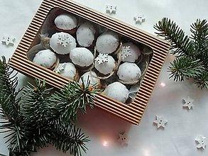 """Dekorácie - Vianočné oriešky """"hviezdičky"""" - biele, strieborné - 11246735_"""