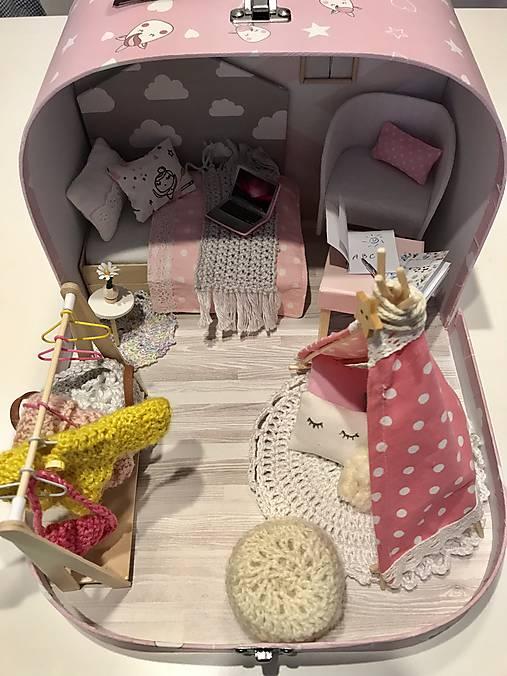 Čarovný kufrík s myškou a teepee