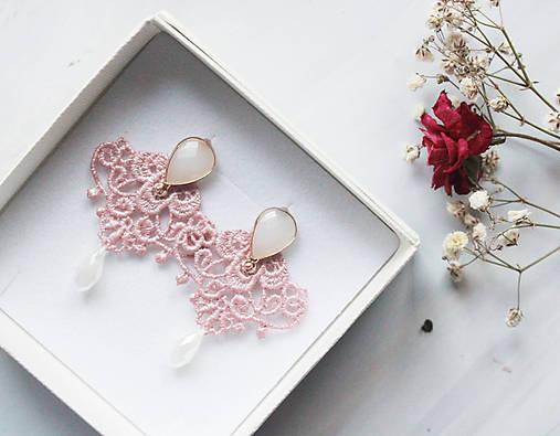 Náušnice s čipkou a perličkou. Staroružové