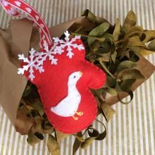 Dekorácie - Vianočná ozdoba rukavička - 11252315_