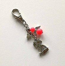 Kľúčenky - Prívesok s anjelikom a srdiečkom - sova (losos) - 11251886_