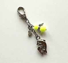 Kľúčenky - Prívesok s anjelikom a srdiečkom - delfín (žltá) - 11253190_