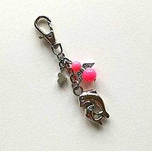Kľúčenky - Prívesok s anjelikom a srdiečkom - delfín (ružová) - 11253200_