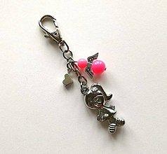 Kľúčenky - Prívesok s anjelikom a srdiečkom - dievča (ružová) - 11253907_