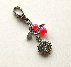 Kľúčenky - Prívesok s anjelikom a srdiečkom - slnko (losos) - 11254113_