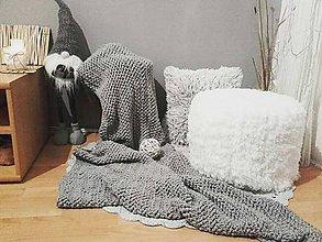 Úžitkový textil - HYGGE háčkovaný prehoz šedý - 11251731_