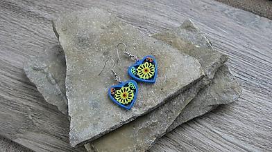 Náušnice - Drevené maľované náušnice malé srdiečka. (modro žlté, č. 2982) - 11252041_