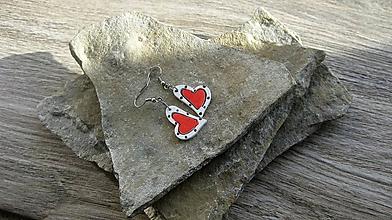 Náušnice - Drevené maľované náušnice malé srdiečka. (bielo červené, č. 2989) - 11252200_