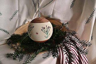 Dekorácie - Vianočná drevena guľa - 11250964_