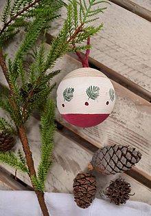 Dekorácie - Vianočná drevena guľa - 11253168_