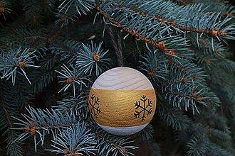Dekorácie - Vianočná drevena guľa - 11253339_