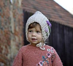 Detské čiapky - Rozkvitnutá čiapočka...krémová - 11254332_