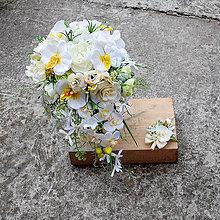 Kytice pre nevestu - Svadobná kytica previslá s orchideami - 11257575_