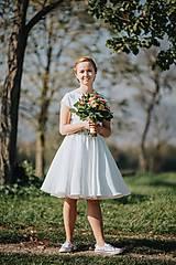 Šaty - Svadobné šaty s vyšívaným bylinkovým opaskom - 11257846_