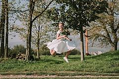 Šaty - Svadobné šaty s vyšívaným bylinkovým opaskom - 11257848_