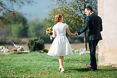 Šaty - Svadobné šaty s vyšívaným bylinkovým opaskom - 11257850_