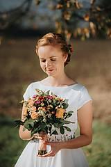 Šaty - Svadobné šaty s vyšívaným bylinkovým opaskom - 11257854_